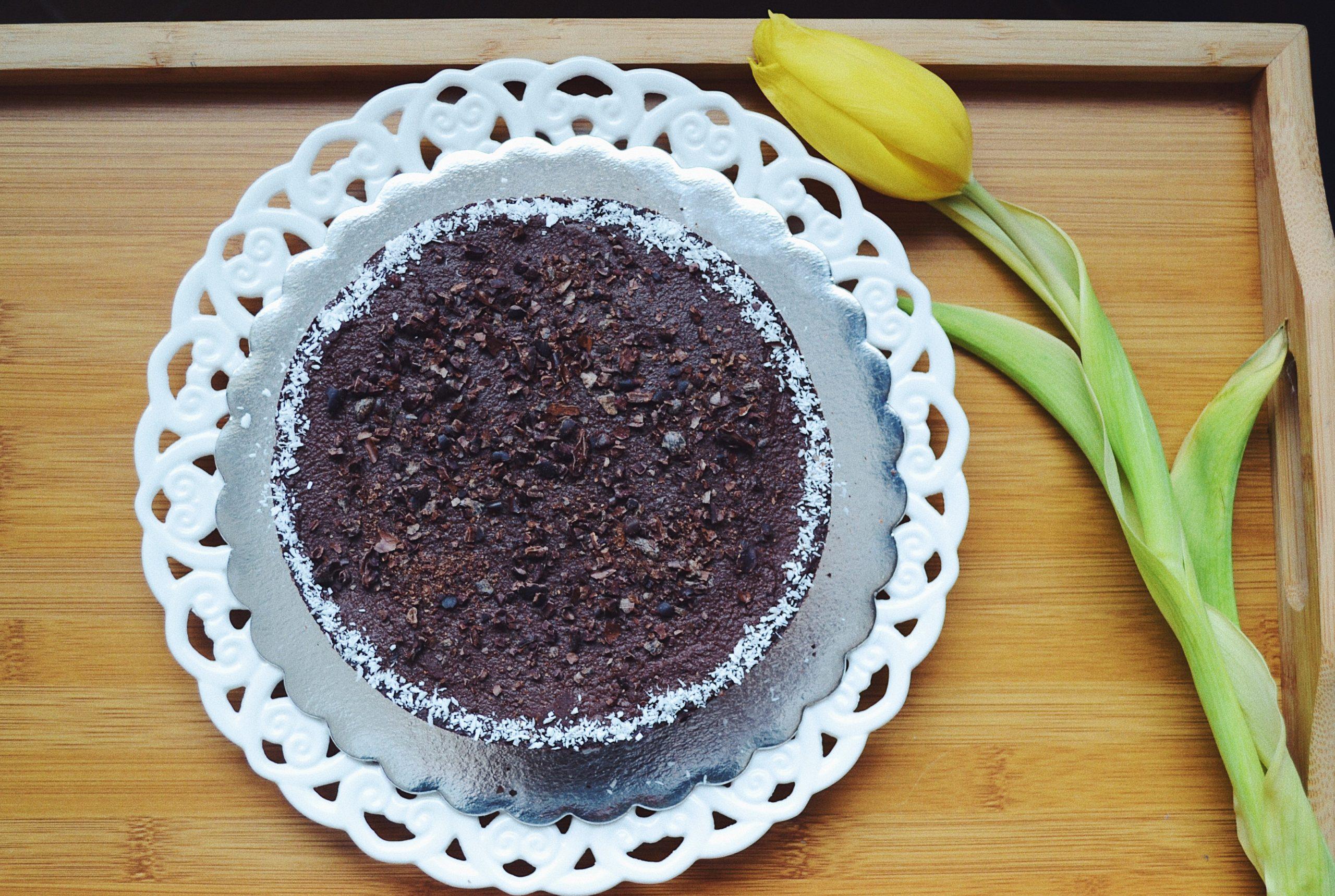 Сурова (много) шоколадова торта