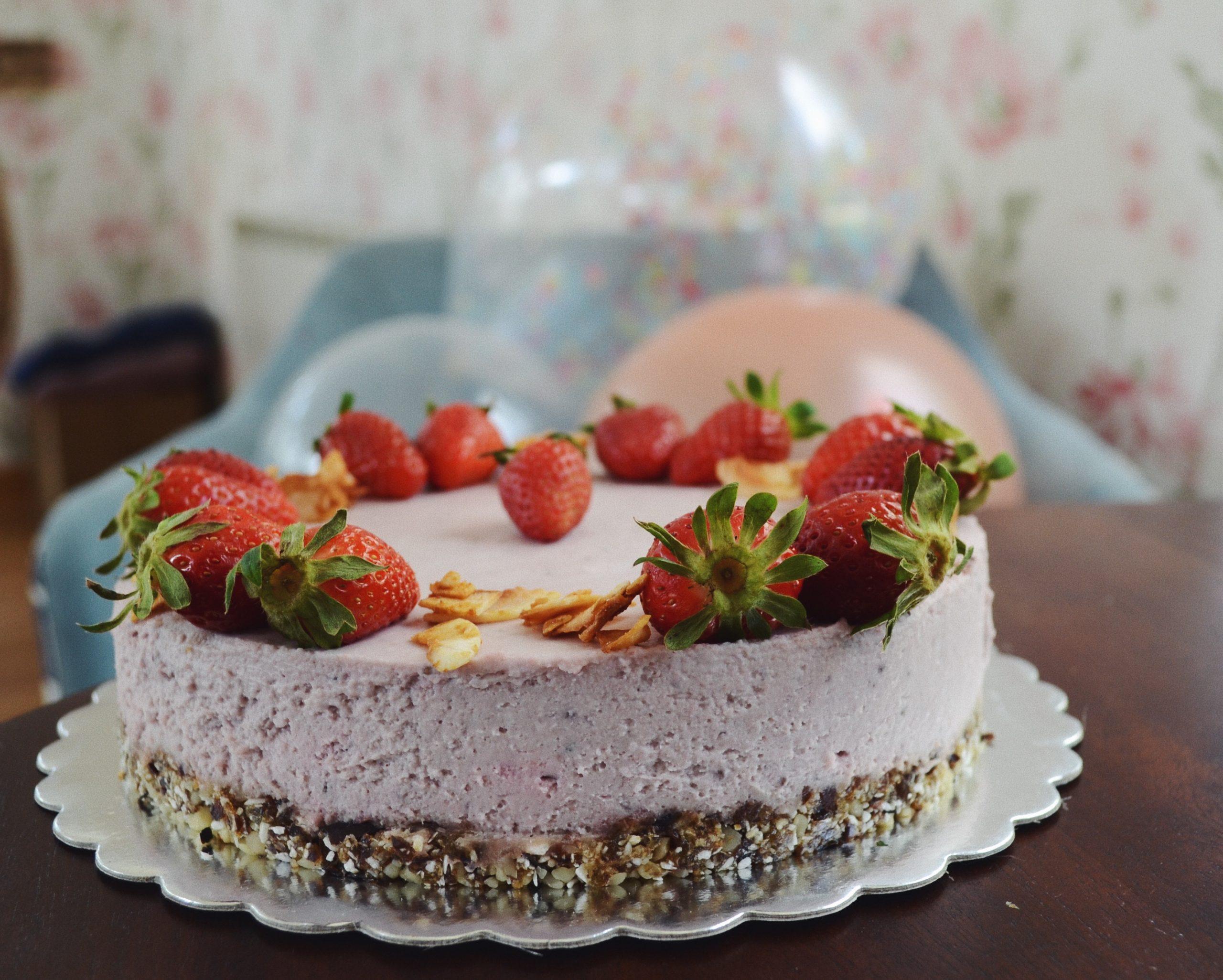 Веган ягодов чийзкейк
