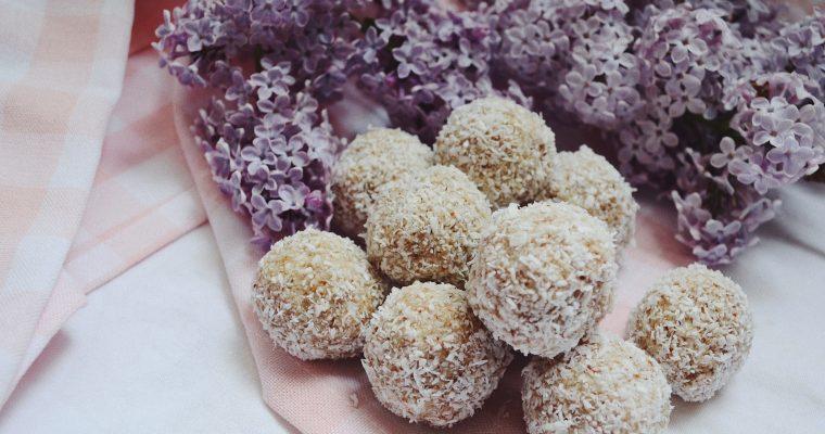 Сурови кокосови бонбони