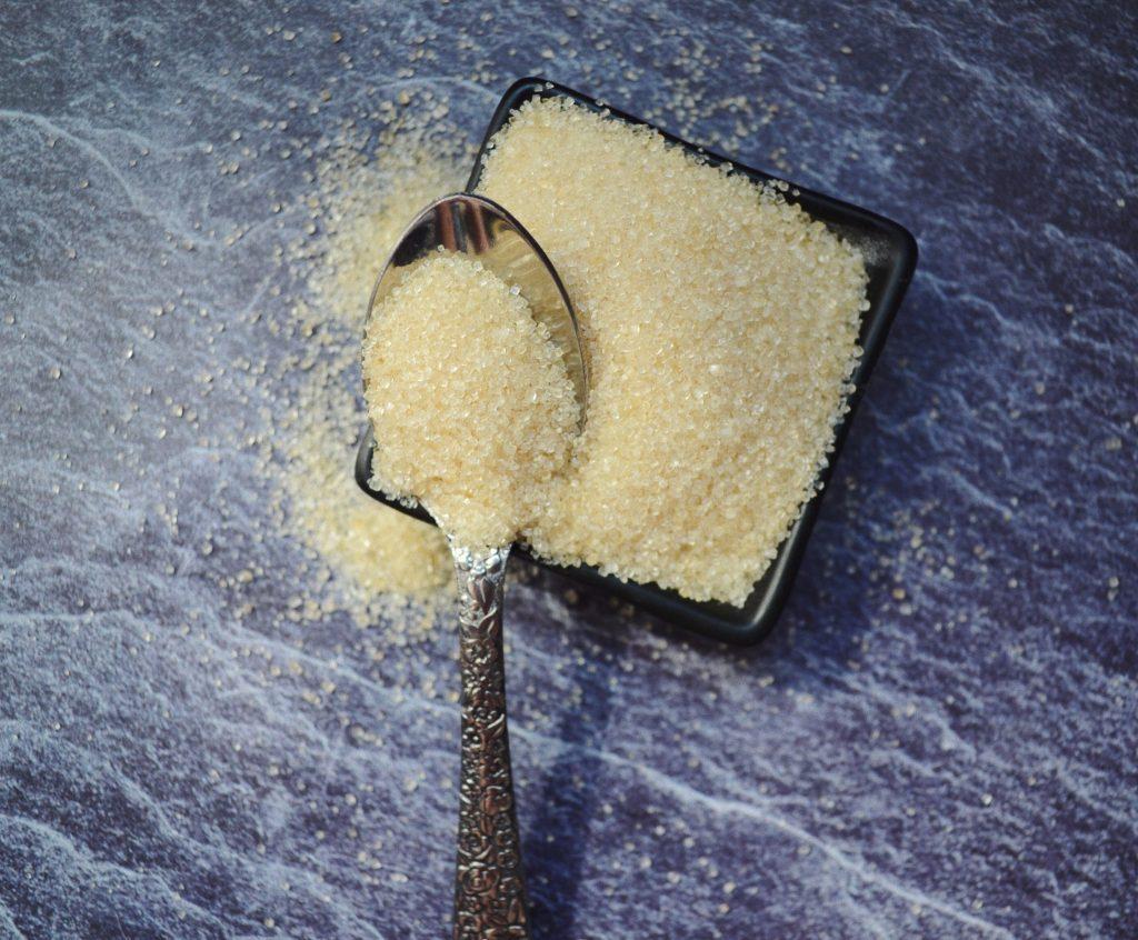 лъжичка тръстикова захар