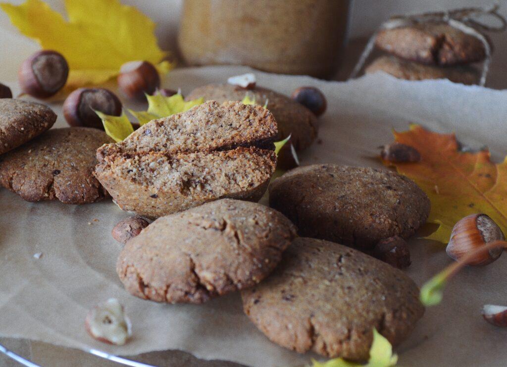 ароматни лешникови бисквити